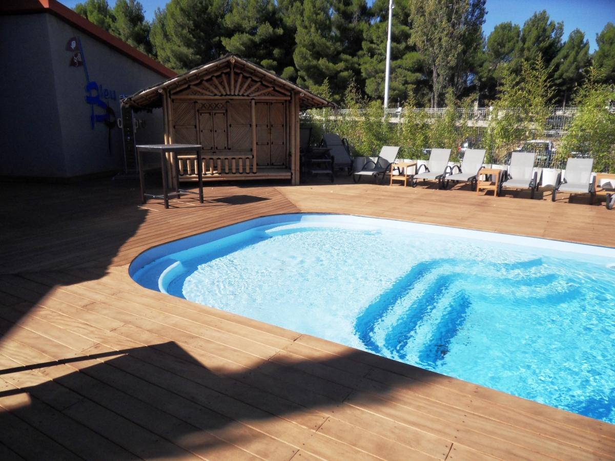 Piscine Beton Avec Plage Immergée piscine familiale avec grande plage immergée pour les plus